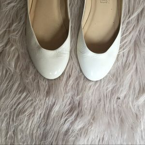 Gorgeous White patent leather Ballet flats